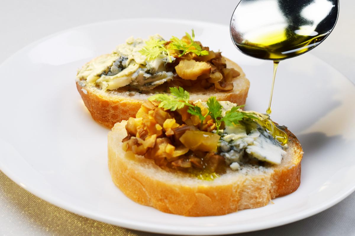 プレミアム・エクストラバージン・オリーブオイル いぶりがっこチーズアレンジレシピ