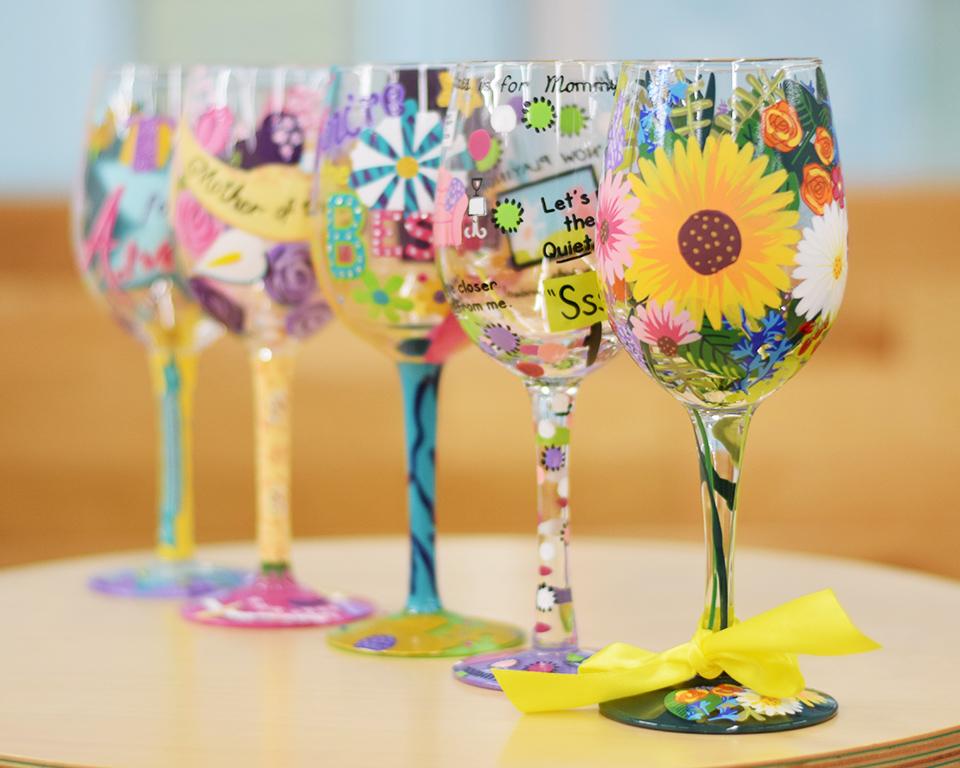 すべて手書きで唯一無二のデザイン「ロリータ ワイングラス」