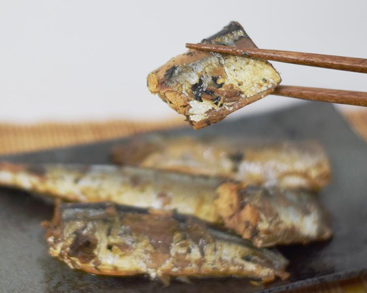 老舗「木川屋本店」の職人が柔らかさを追求した「さんまの佃煮」